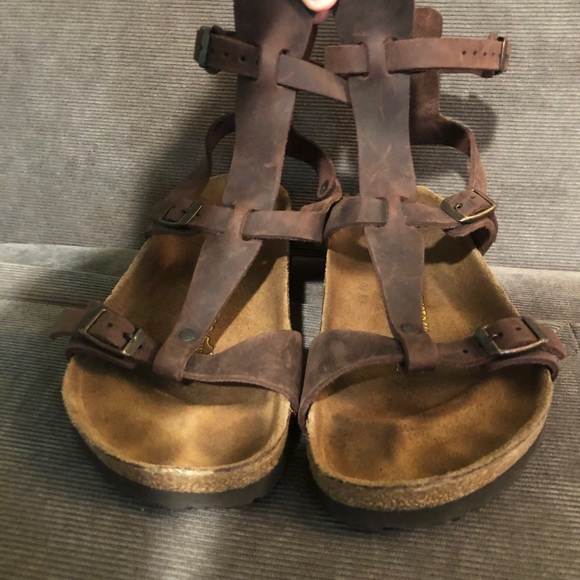 Ankle height brown Birkenstocks size37!